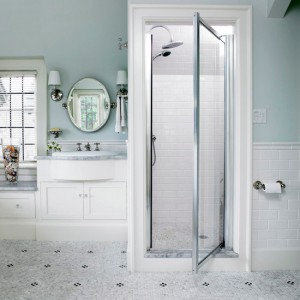 Small and Elegant Shower Enclosure